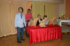 Auftritt der Veeh-Harfen-Gruppe